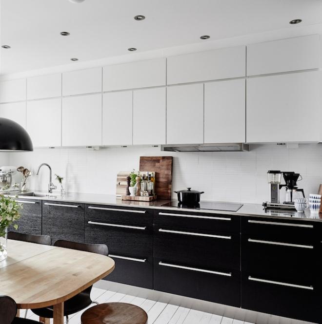 black-and-white-kitchen-swedish-apartment